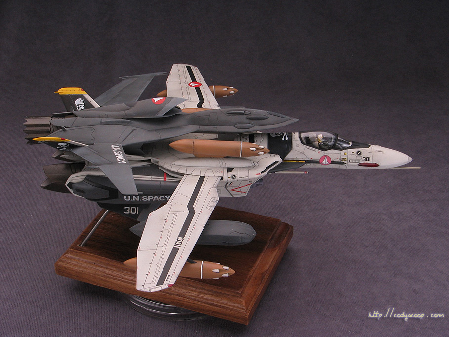 Macross Zero VF-0S Valkyrie with Ghost